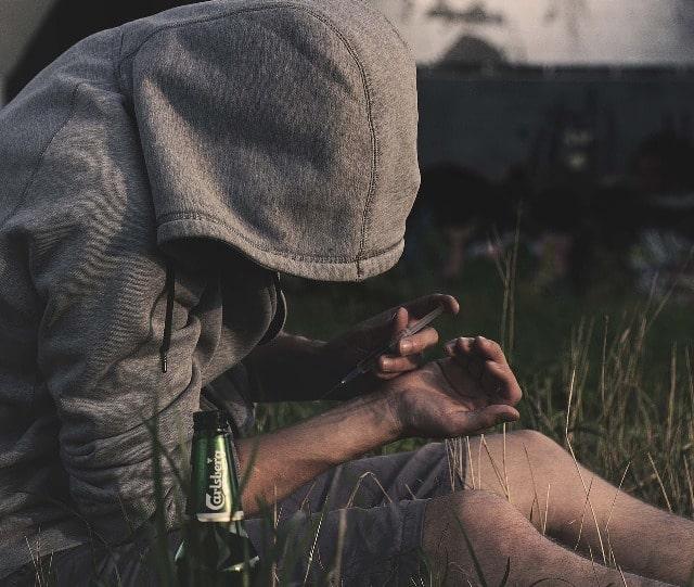 heroin addiction opiate addict drug user recovery program rehab tips sobriety blog