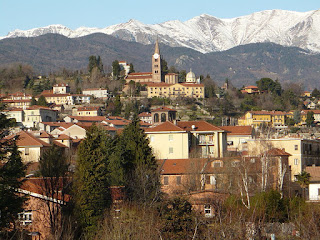 Pinerolo sits in the shadow of the Alps about 40km southwest of Turin, about 75m from the French border