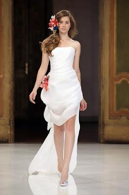 Vestidos de novia cortos con cola