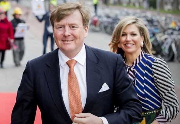 Queen Maxima wore Mary Katrantzou Duritz pussy bow printed crepe de chine maxi dress at King's Day Concert. Princess Beatrix style fashions