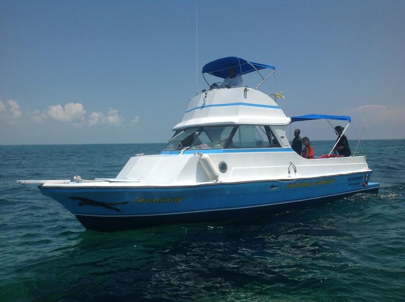embarcacion para pesca en Isla Mujeres