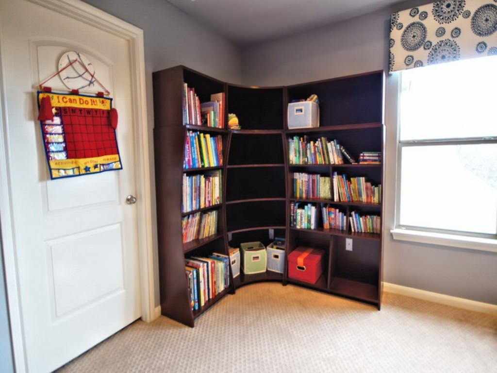 Creative%2BSmall%2BCorner%2BWall%2BCabinets%2B%252824%2529 35 Inventive Small Nook Wall Cupboards Interior