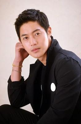 Penampilan Baru Kim Hyun Joong Saat Wamil Bikin Syok!