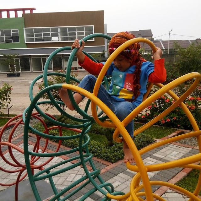 Bergaya dengan Kaos Anak Hoofla Kids
