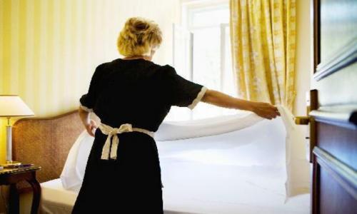Παραδοσιακός ξενώνας στην περιοχή του Ναυπλίου αναζητά καμαριέρα