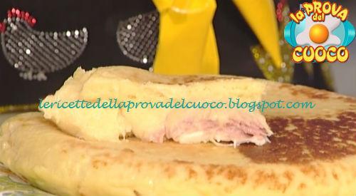 Pizza di patate con prosciutto e formaggio ricetta Moroni da Prova del Cuoco