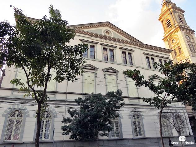 Vista ampla da fachada do Liceu do Sagrado Coração de Jesus - Campos Elíseos - São Paulo