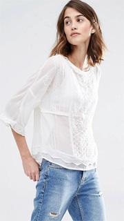 Blusa semitransparente con cuello alto bordado 2017