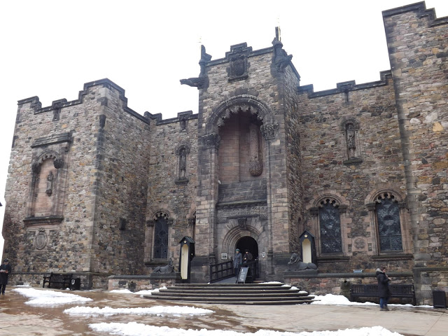 A view of Edinburgh castle entrance