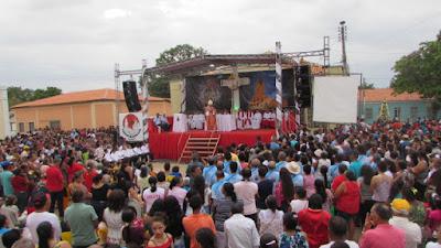 Milhares de fieis se reúnem em Luzilândia no encerramento dos Festejos de Santa Luzia