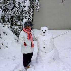 kar yapan çocuk