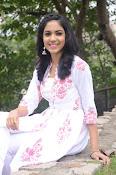 Ritu Varma dazzling in white n white-thumbnail-2