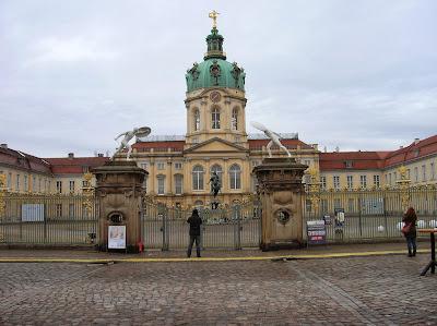 Schloss Charlottenburg (Castillo de Charlottenburgo), Berlin, Alemania, round the world, La vuelta al mundo de Asun y Ricardo, mundoporlibre.com