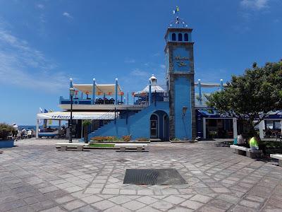 Der Hafen von Las Galletas auf Teneriffa Kanaren