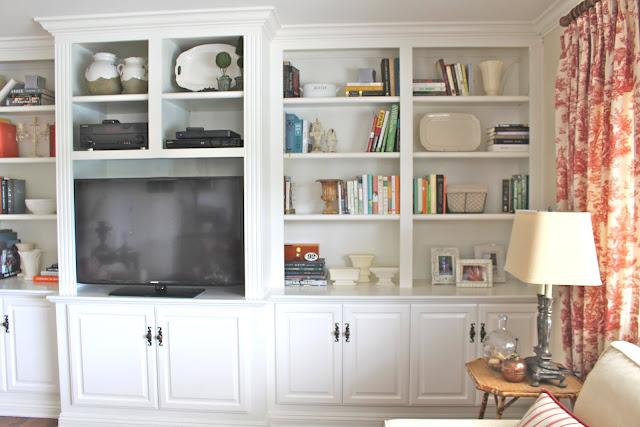 maison-de-cinq-family-room-built-ins-details-2