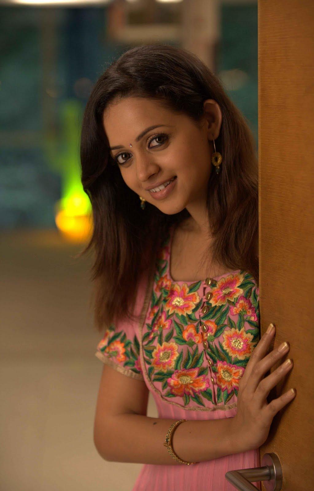 Cute Happy Girl Wallpapers Bhavana Gorgeous Pink Dress Photos Cute Innocent Girl