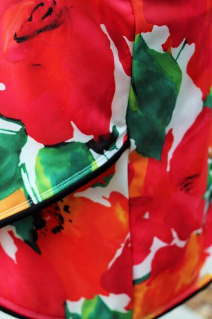 Itch to Stitch Lindy Petal Skirt, Mood Fabrics Scuba knit- petal front