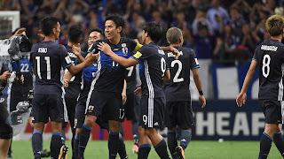 فضيحة كبيرة  شاهد ما جرى مع لاعبي منتخب اليابان في السعودية بشكل متعمد !