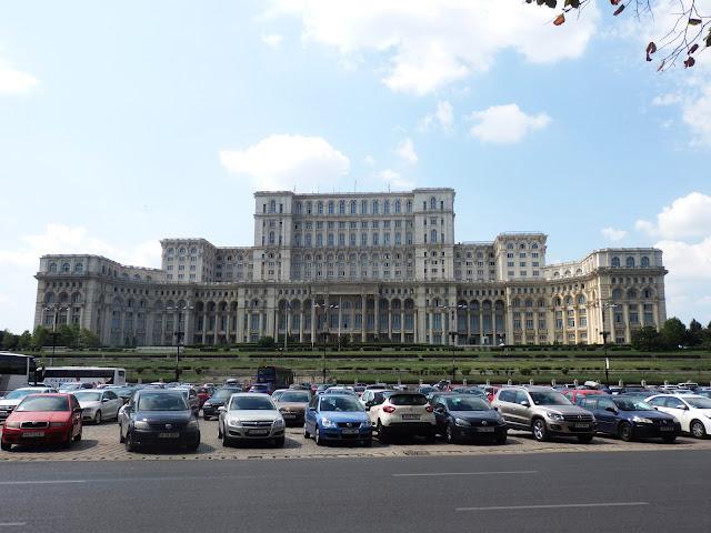 Rumuński parlament z czasów poprzedniego systemu