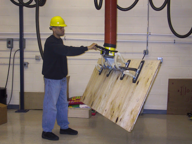 Lifting Equipment for wood industry