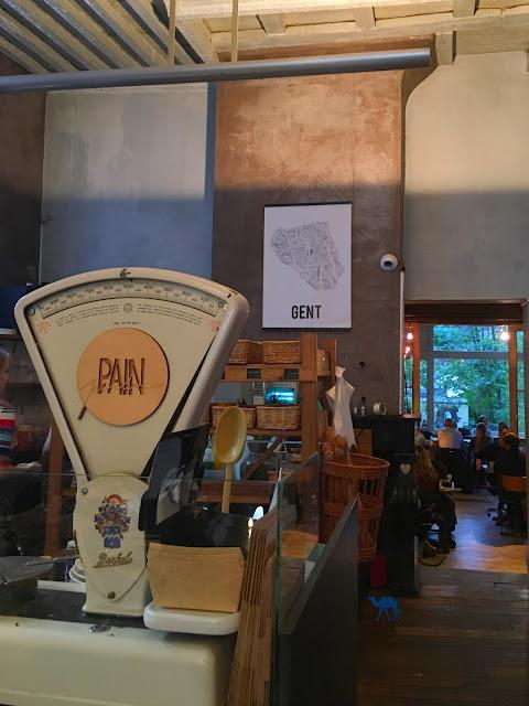 Le Chameau Bleu - Pain Perdu Interieur