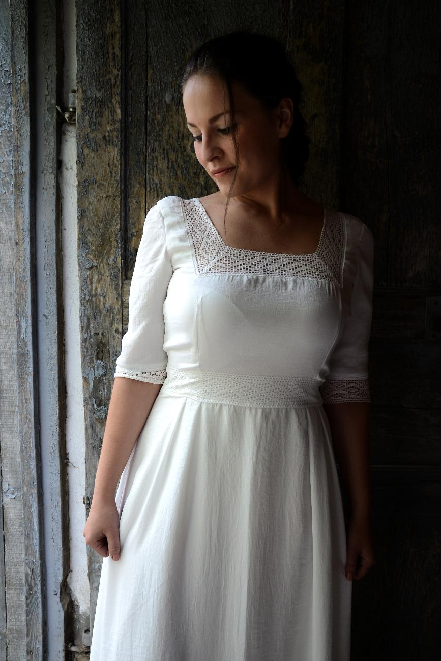 Ismét egy kismamának varrhattam esküvői ruhát. Mindig nagy kihívás olyan  ruhát tervezni 52cbca9928