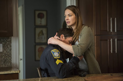 Michelle Monaghan and Mark Wahlberg in Patriots Day (5)