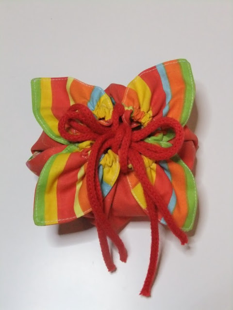 Stoffbeutelchen Blüte DIY