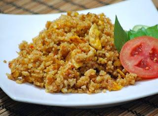 Cara Membuat Nasi Goreng Sederhana Untuk 2 Porsi