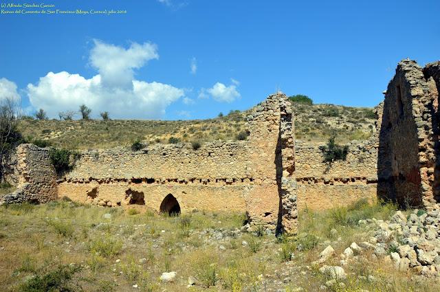 convento-franciscano-ruinas-moya