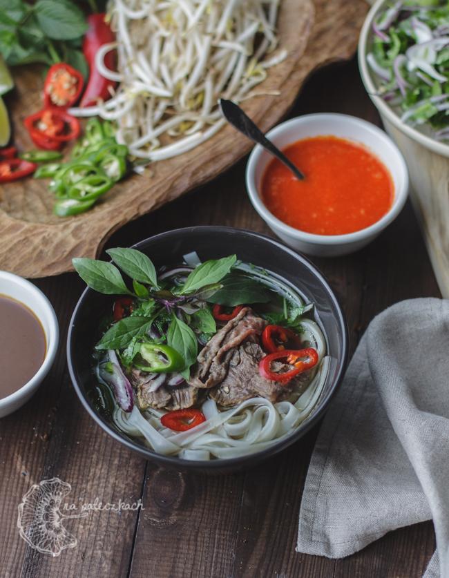 wołowa zupa pho