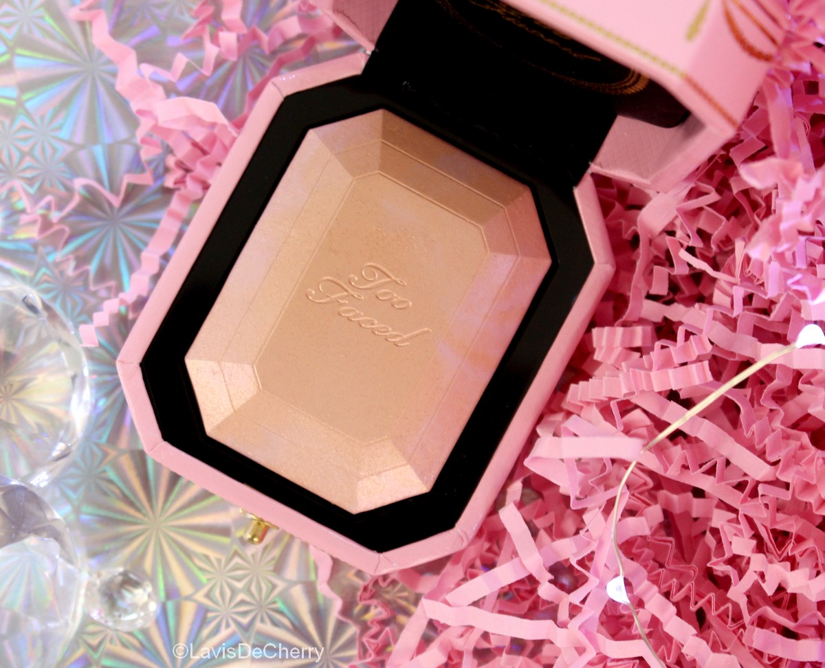 too-faced-highlighter-diamond-light-éclat-diamant-pretty-rich-collection