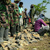 Warga dan TNI Gotong Royong Mbangun Ndeso