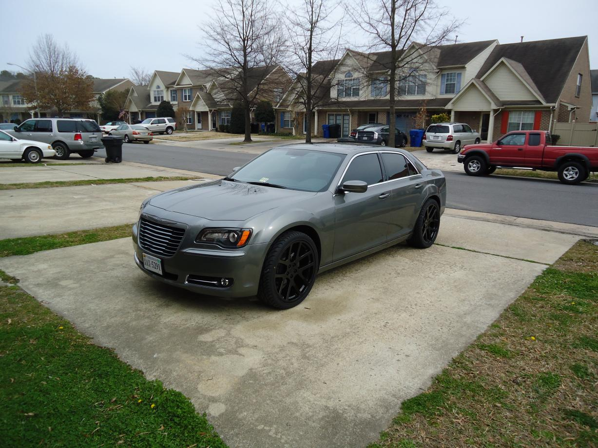 2012 Chrysler 300 S on 22 Inch Viper Rims Blacked Out