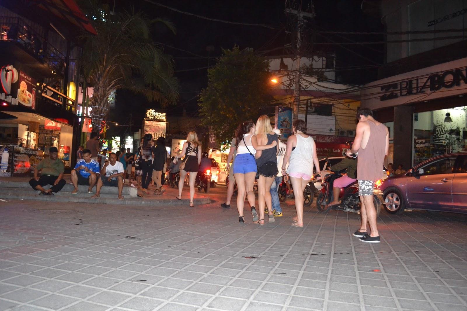 Aries Girl Menikmati Malam Di Legian Bali 9 Desember 2012