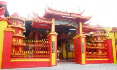 Li Tang atau Klenteng tempat ibadah umat beragam Kong Hu Cu