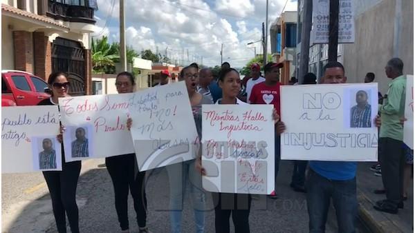 """Transportista de SFM paralizan labores en solidaridad con """"Pirulo"""""""