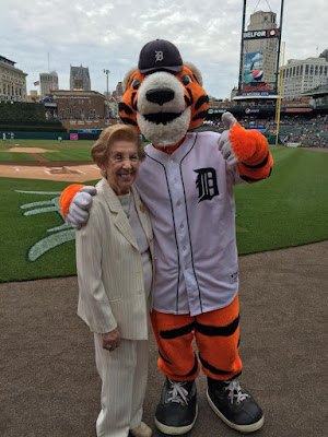 "Hermina Hirsch with Detroit Tigers mascot ""Paws"""