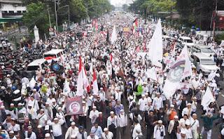 GNPF MUI Prediksi Jumlah Massa Bela Islam Jilid III Capai 3 Juta Orang - Commando