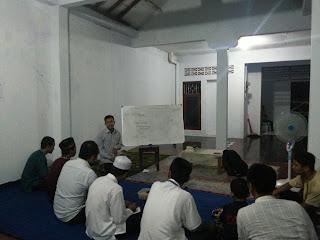 malam bina iman dan taqwa (mabit) Relawan Dompet Peduli Ummat Daarut Tauhiid (DPU DT) Yogyakarta