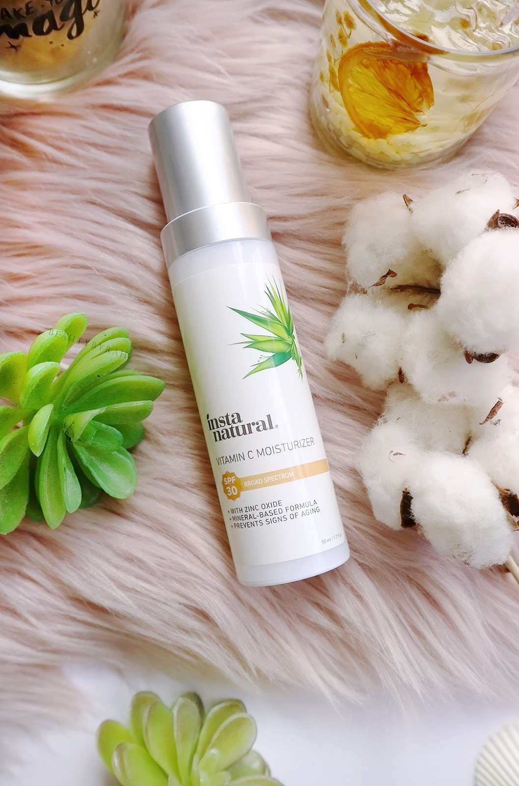 InstaNatural Vitamin C moisturiser review