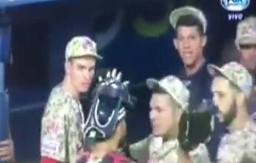VIDEO: Catcher Juan Graterol que recibiria Leones por Jesus Aguilar se lio a Golpés con su compañero de Tigres en Pleno juego