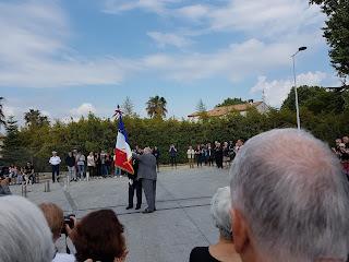 Remise du drapeau de l'Union Nationale des Combattants par le maire de Lattes