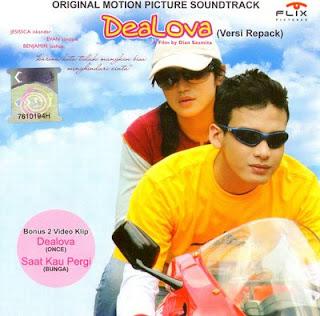 "Remaja SMP Menulis Novel ""Dealova"""