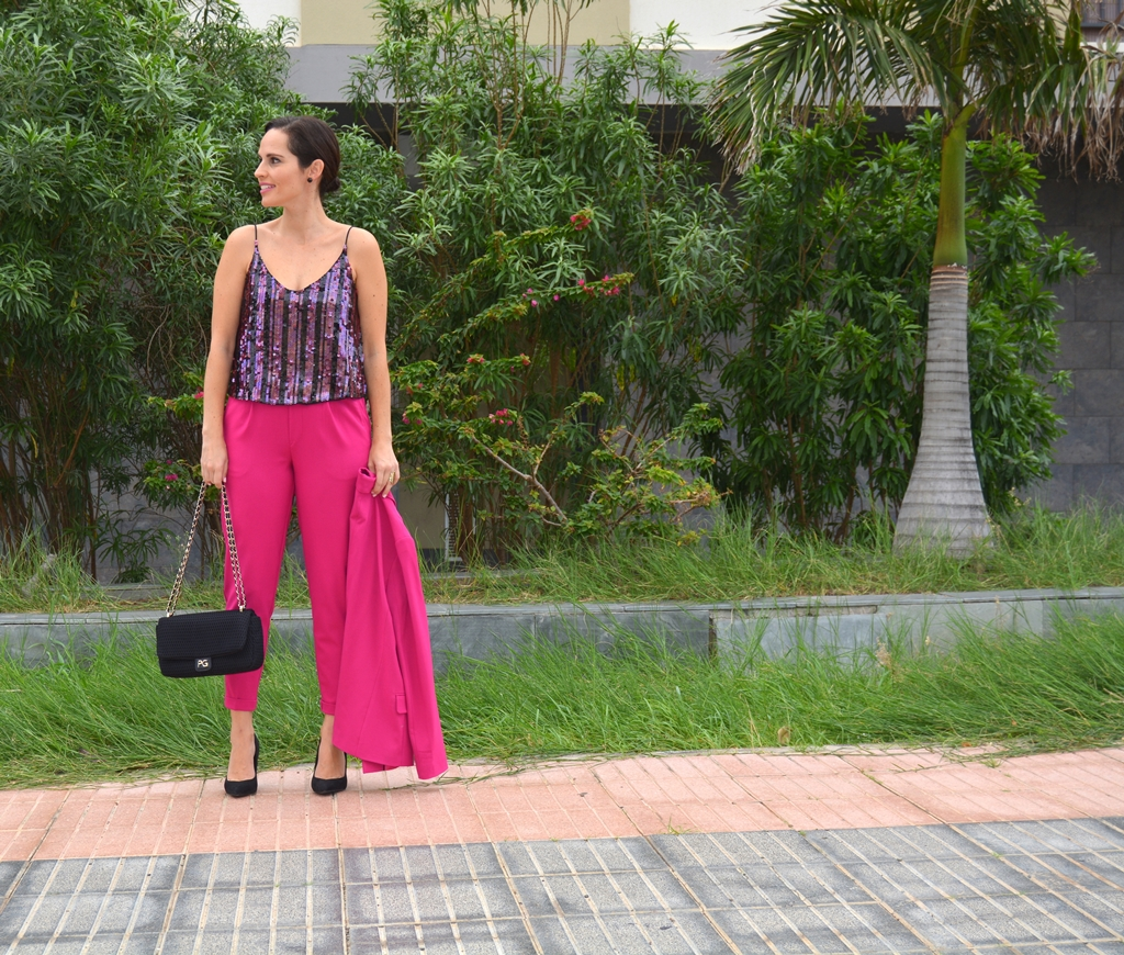 traje-rosa-bershka-outfit
