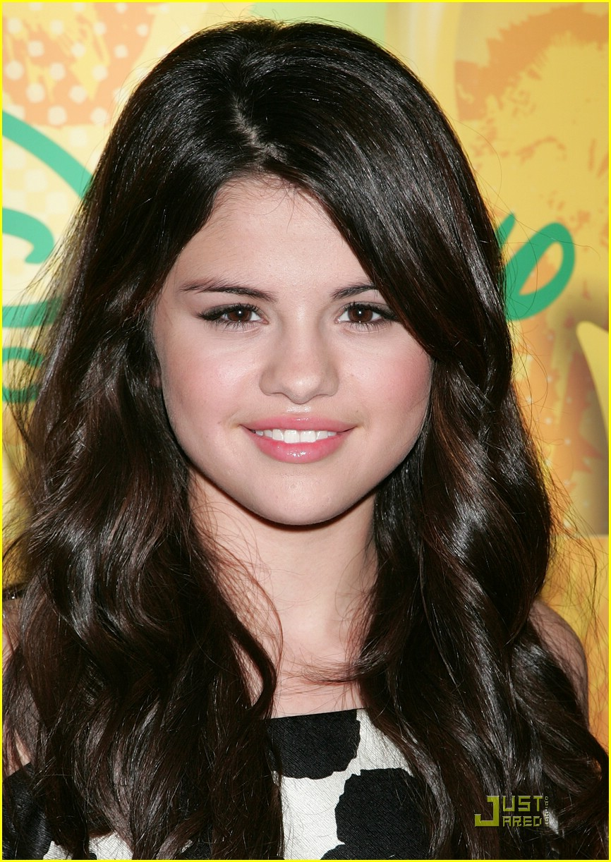 Selena Gomez | Publish with Glogster!