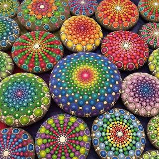 Mandala,meditasyon amacıyla yapılan dairesel şekiller