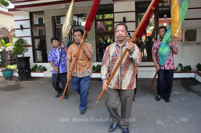 Dua Pusaka Kyai Korowelang Dijamas Jelang Hari Jadi ke-824 Kabupaten Trenggalek