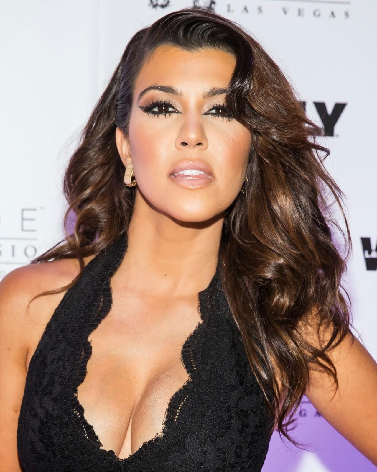 Ass Kourtney Mary Kardashian  nude (47 images), iCloud, braless