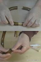 Meter bisagra de embutir y colocar imán con epoxy. http://www.enredandonogaraxe.com